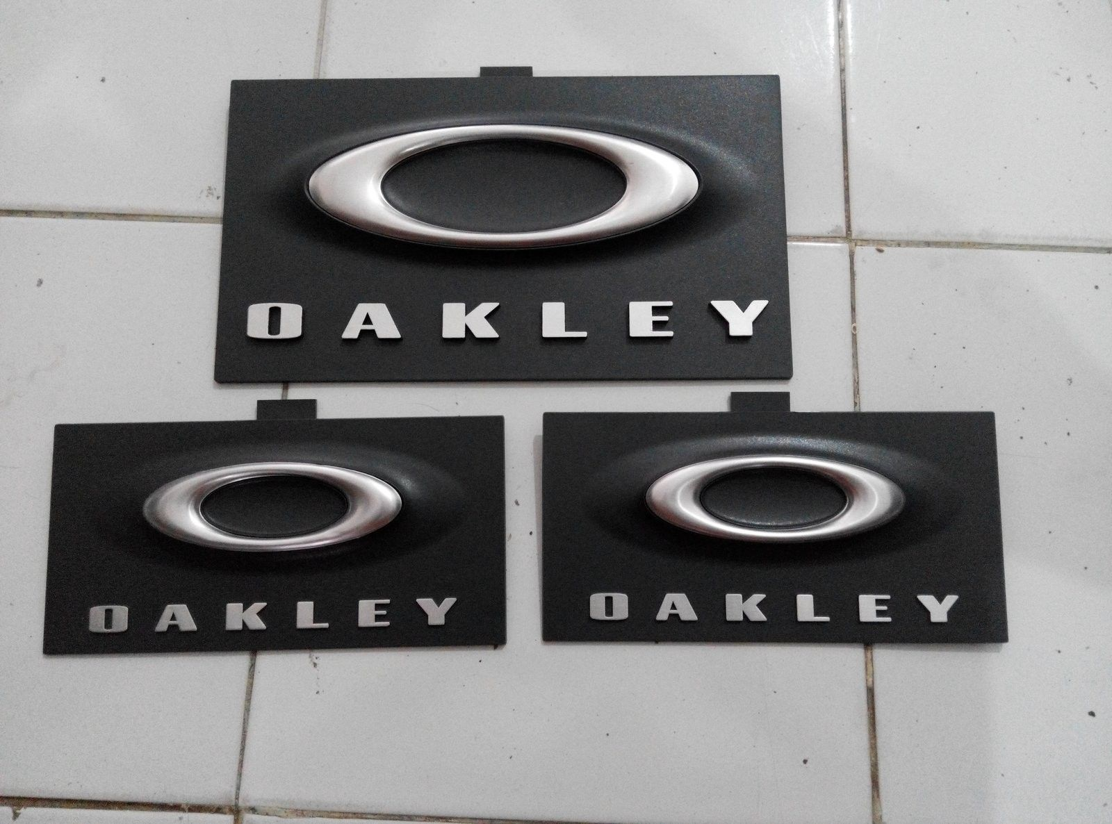 Oakley display sign - IMG_20150608_163009.jpg