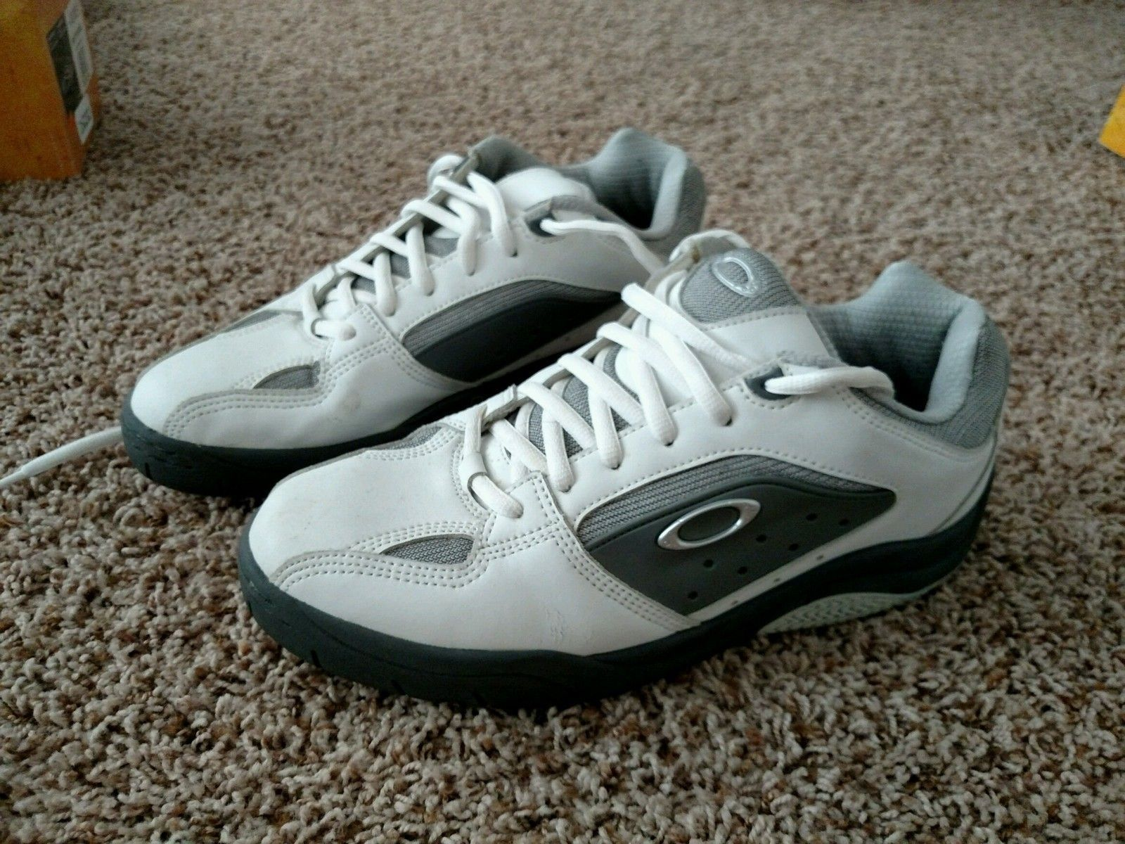 Oakley Size 12 Shoes White Leather - IMG_20150625_084219.jpg