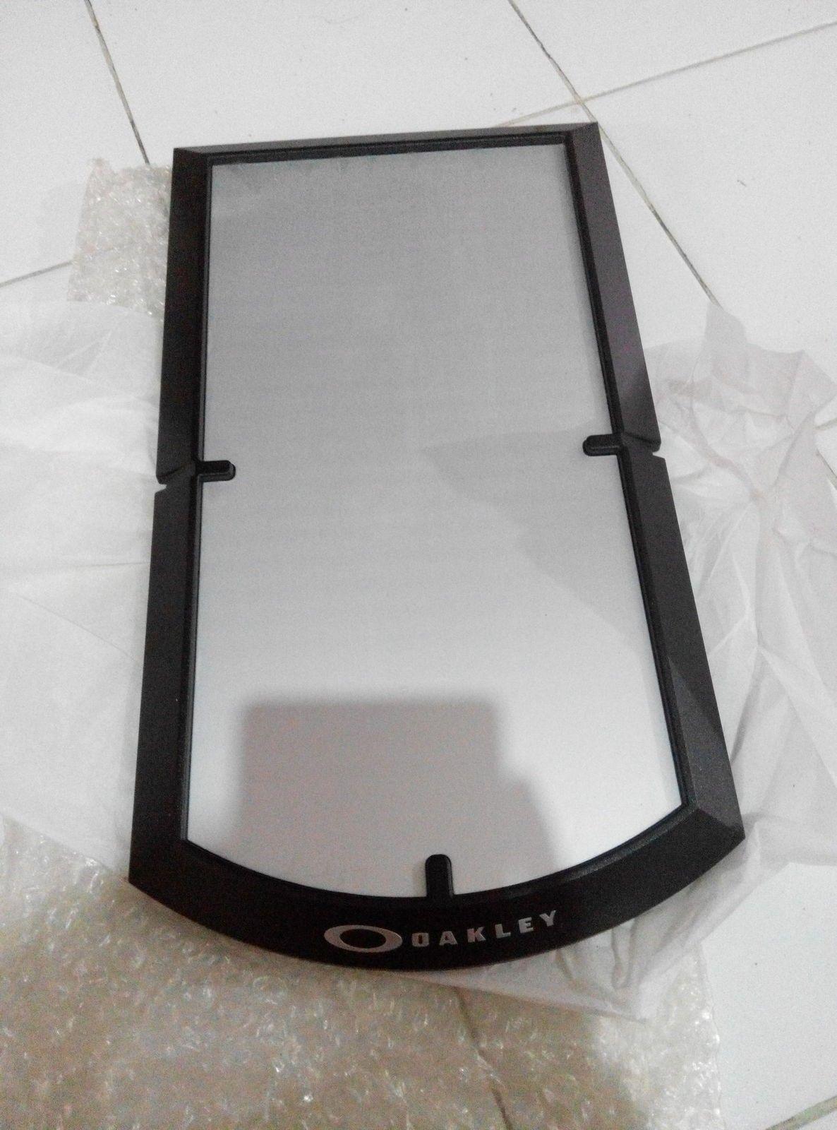 Oakley large tray & slat wall 9 inc - IMG_20150804_162752.jpg