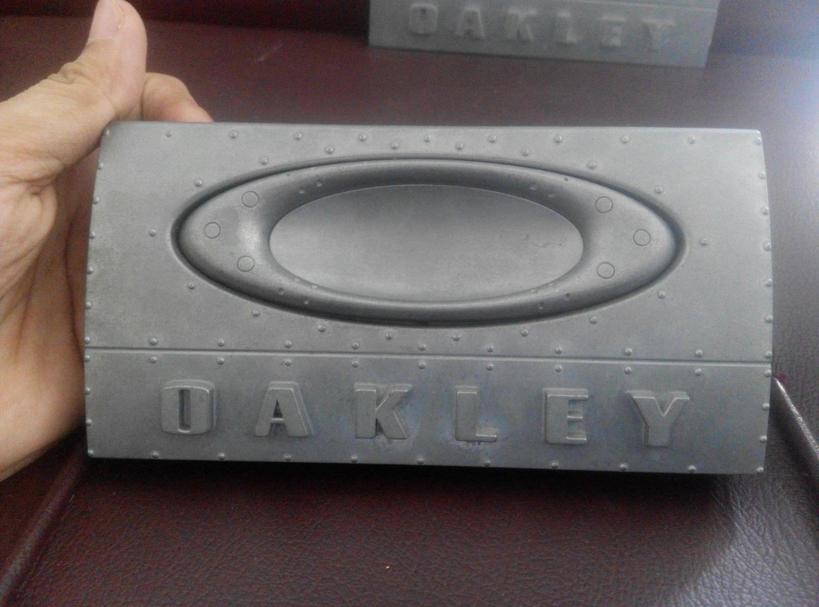 oakley 3D emblem plate - IMG_20160518_152245.jpg
