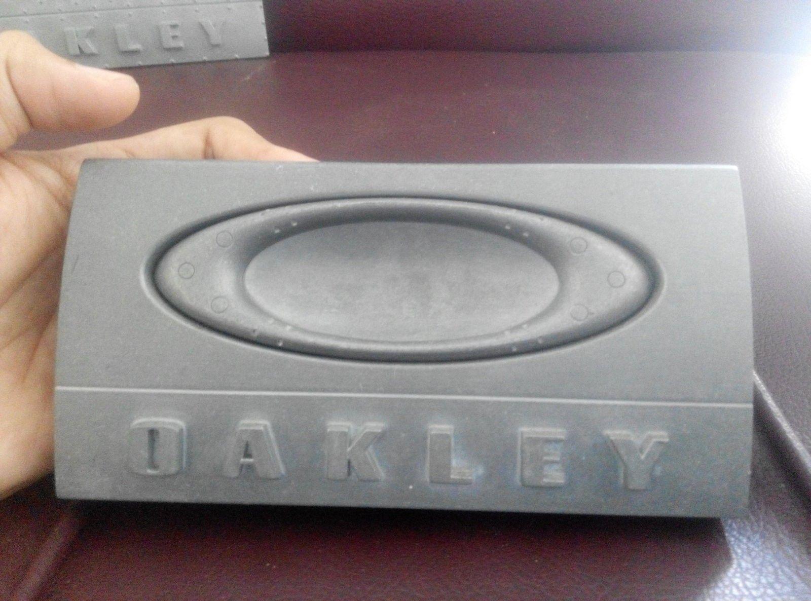 oakley 3D emblem plate - IMG_20160518_152256.jpg