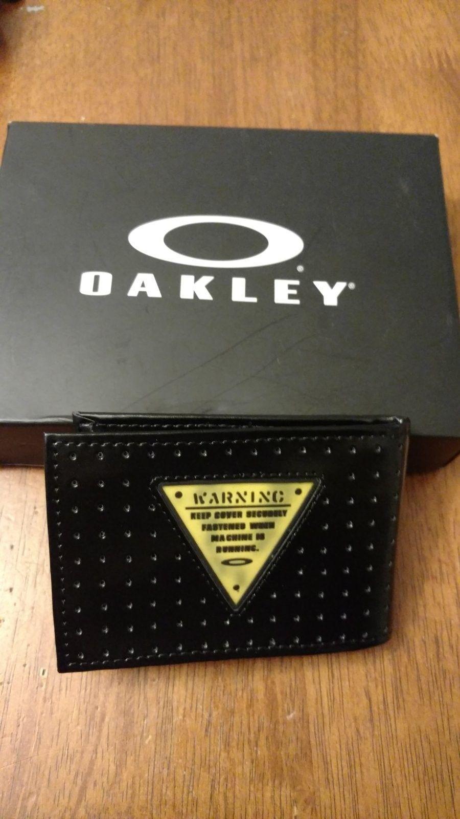 Oakley Wallet Credit Card Holder - IMG_20160628_184355723.jpg