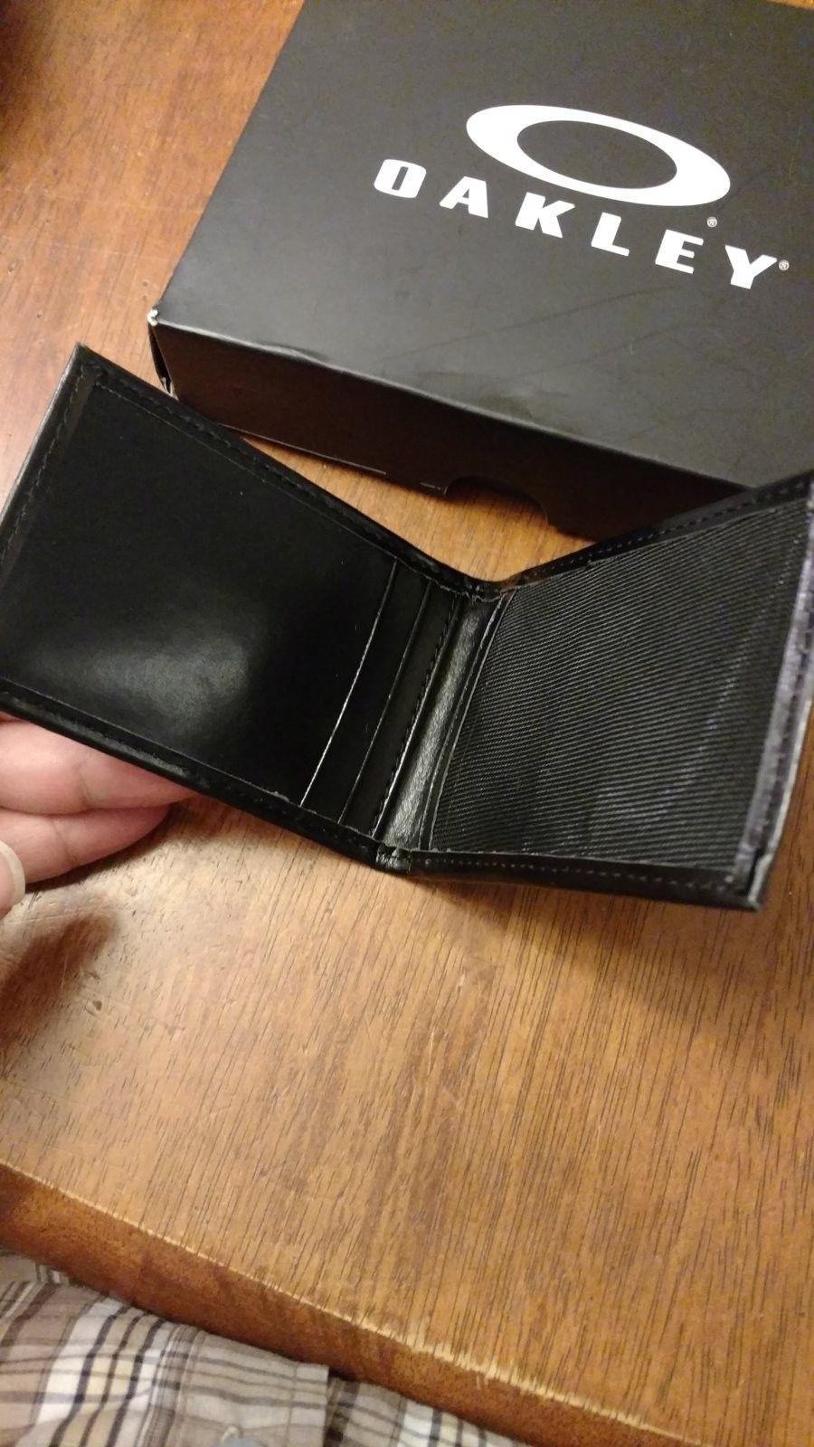 Oakley Wallet Credit Card Holder - IMG_20160628_184418363.jpg