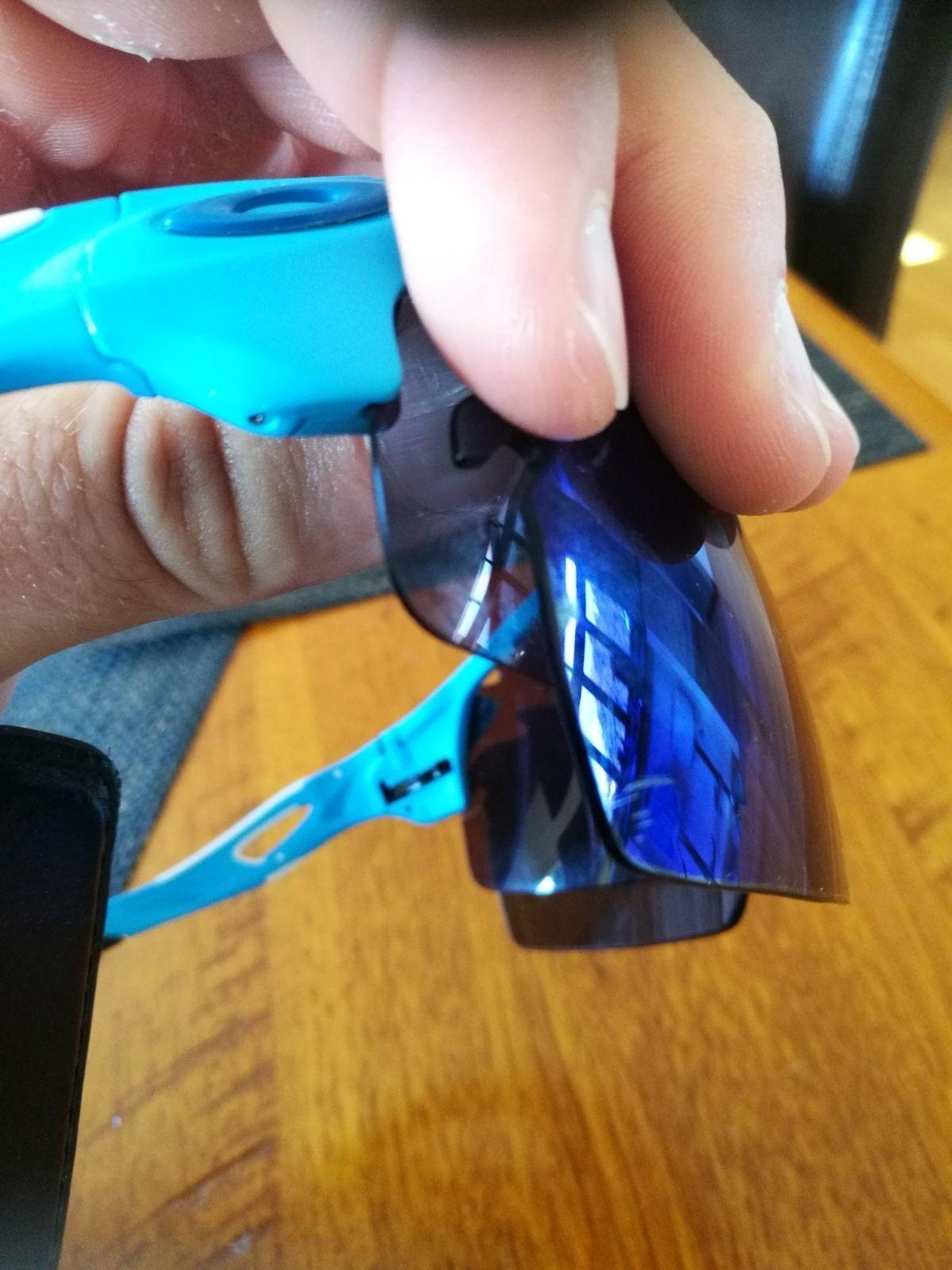 Radarlock XL Glacier blue help!: Not sure if Authentic or not - IMG_20160720_134715.jpg
