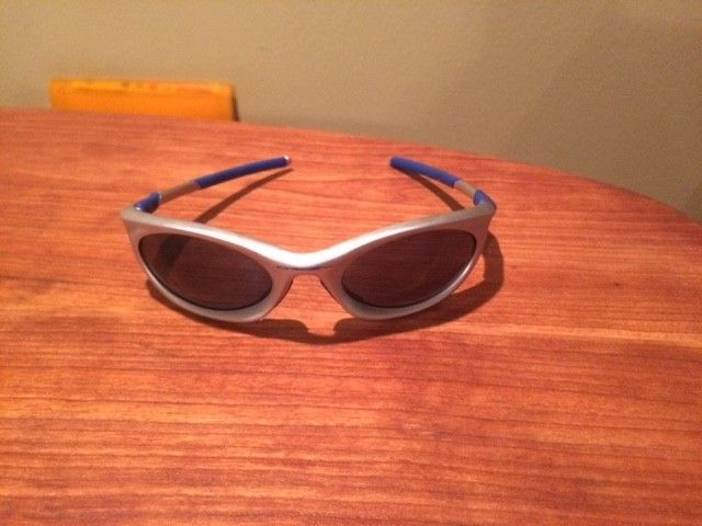 What model Oakley model are these? - IMG_2188.JPG