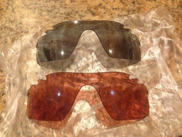 NEW Oakley Radarlock Pitch Vented Replacement Lenses G30 Iridium and Slate Iridium - IMG_2196.JPG