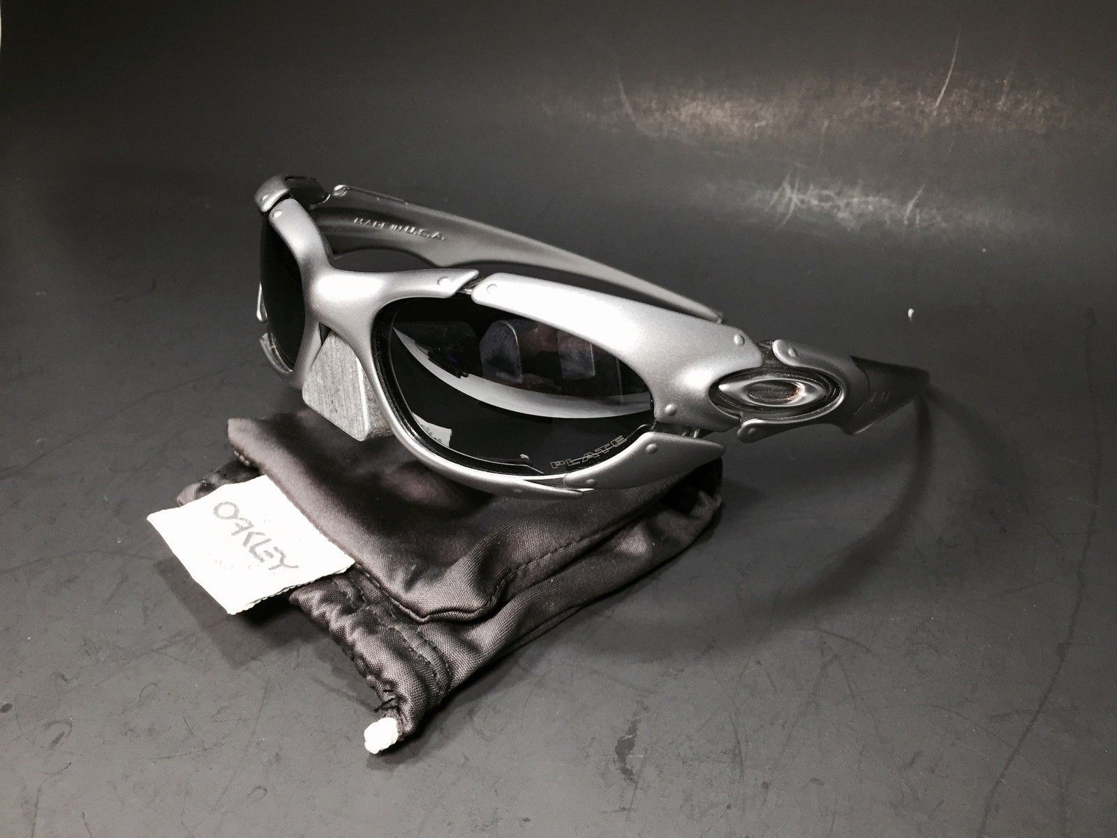 Plate Silver Black, Its new never worn, perfect no box - IMG_2206.jpg
