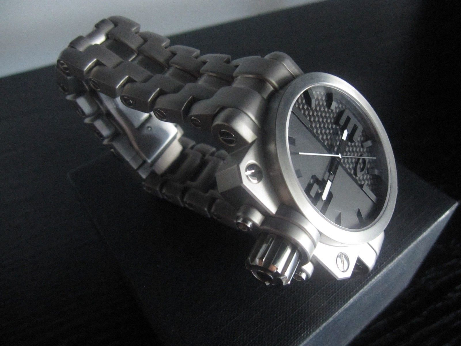BNIB Gearbox Titanium Bracelet Watch - OW0004-01 - IMG_2496.JPG