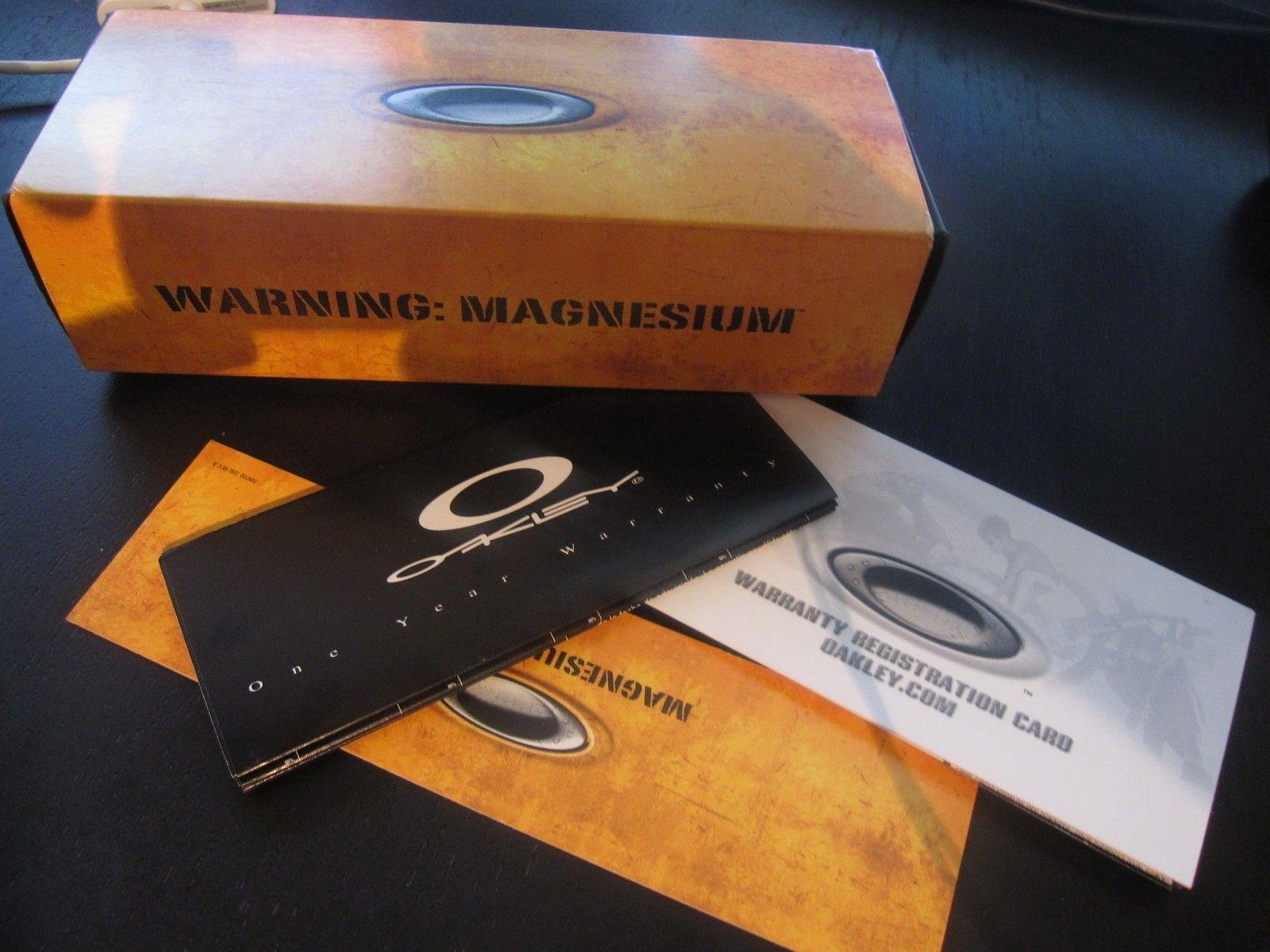 Four S Magnesium - Dark Carbide / BI box + extras - IMG_2640.JPG