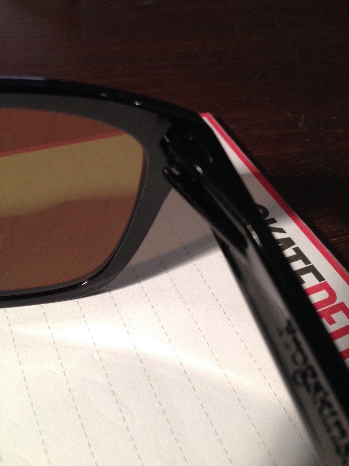 Frogskins Valentino Rossi: fake or legit ? - IMG_2651.JPG