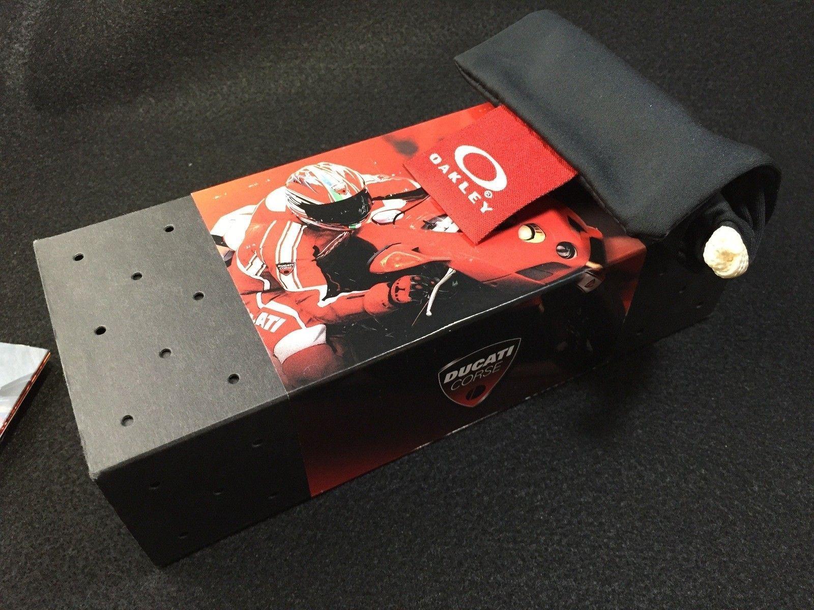 Ducati Juliet Carbon w/ SKU w/ box, coin, papers etc.... - IMG_2832.jpg