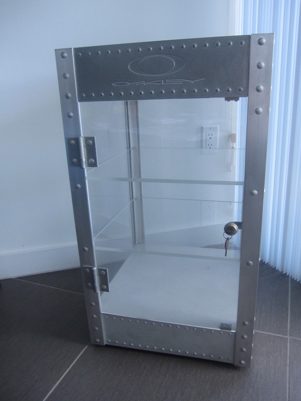 Counter top Display Case - SOLD !!! - IMG_2860.JPG