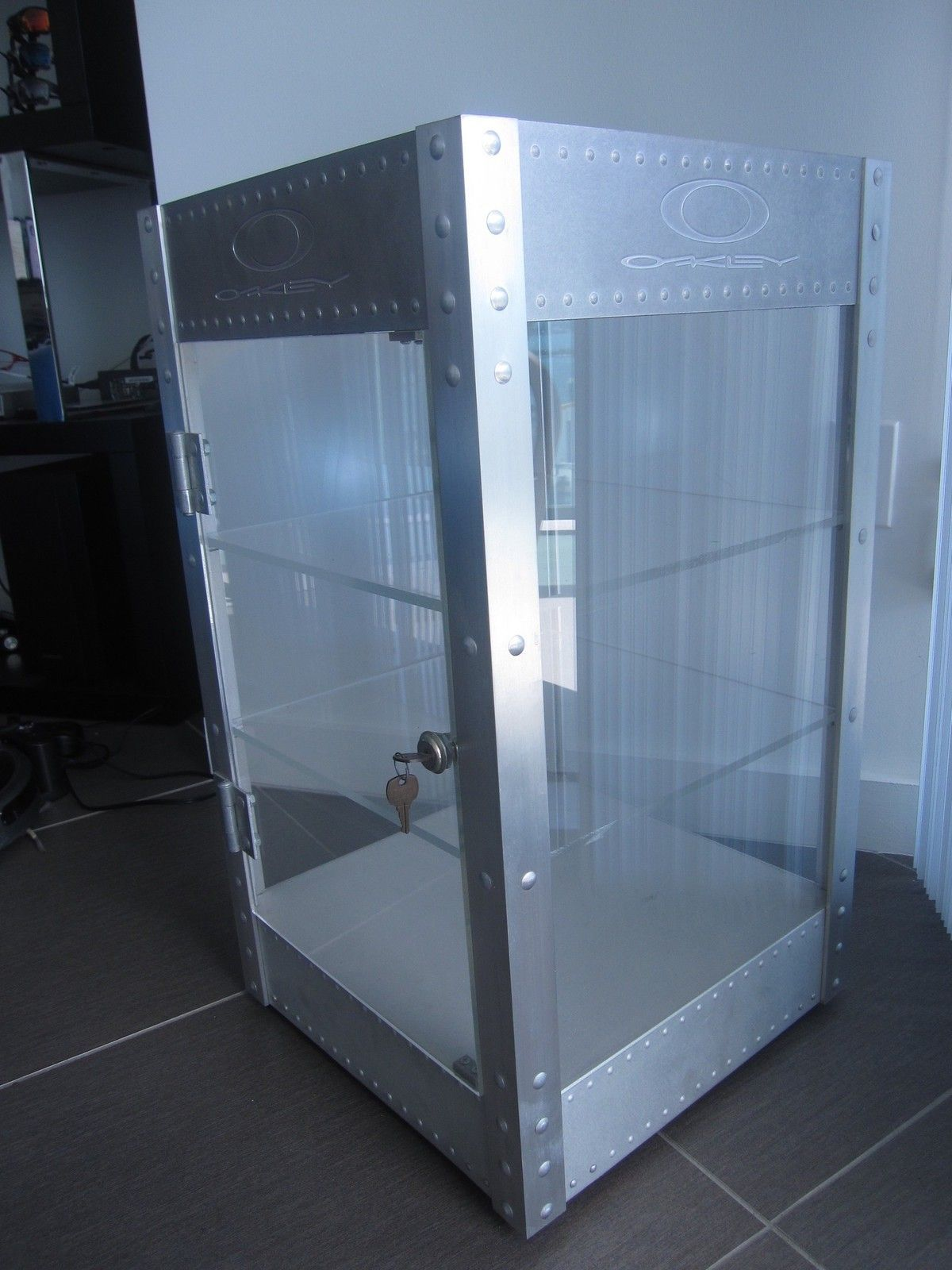 Counter top Display Case - SOLD !!! - IMG_2861.JPG