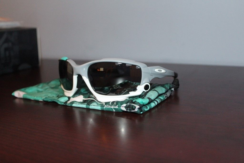 NEW OAKLEY RACING JACKET SUNGLASSES 30 YEARS SPORT SPECIAL EDITION - PRICE DROPPED - IMG_2866 (1024x683).jpg