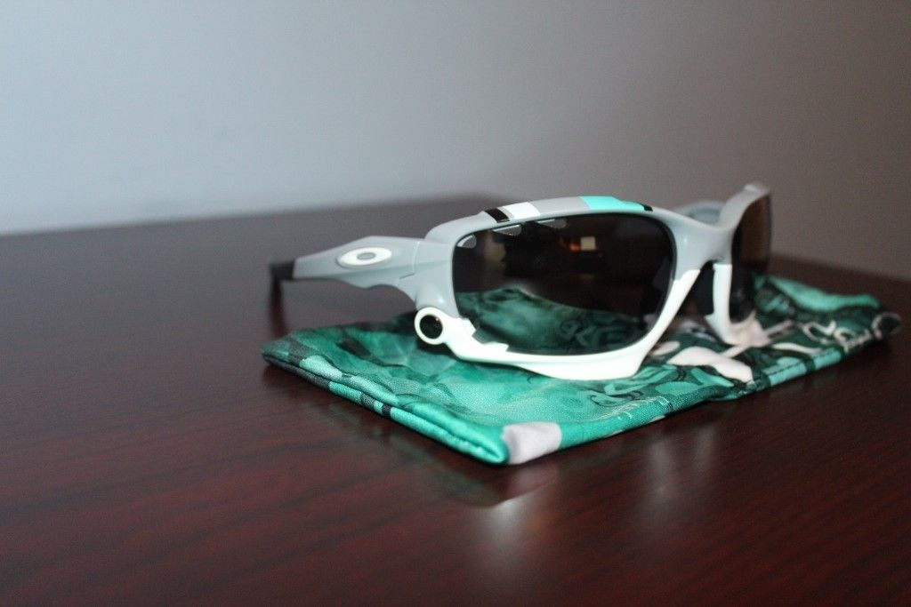 NEW OAKLEY RACING JACKET SUNGLASSES 30 YEARS SPORT SPECIAL EDITION - PRICE DROPPED - IMG_2868 (1024x683).jpg