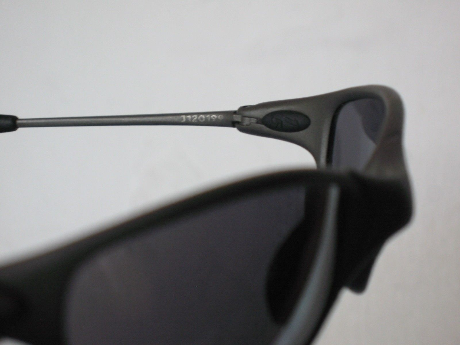 oakley juliet serial number