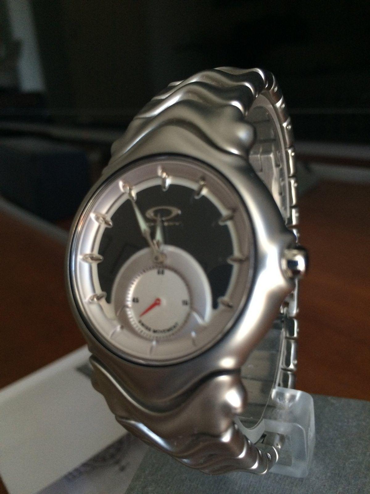 Oakley Jury Watch (BN) - Honed / Gunmetal (SKU 10-170) - IMG_2899.JPG