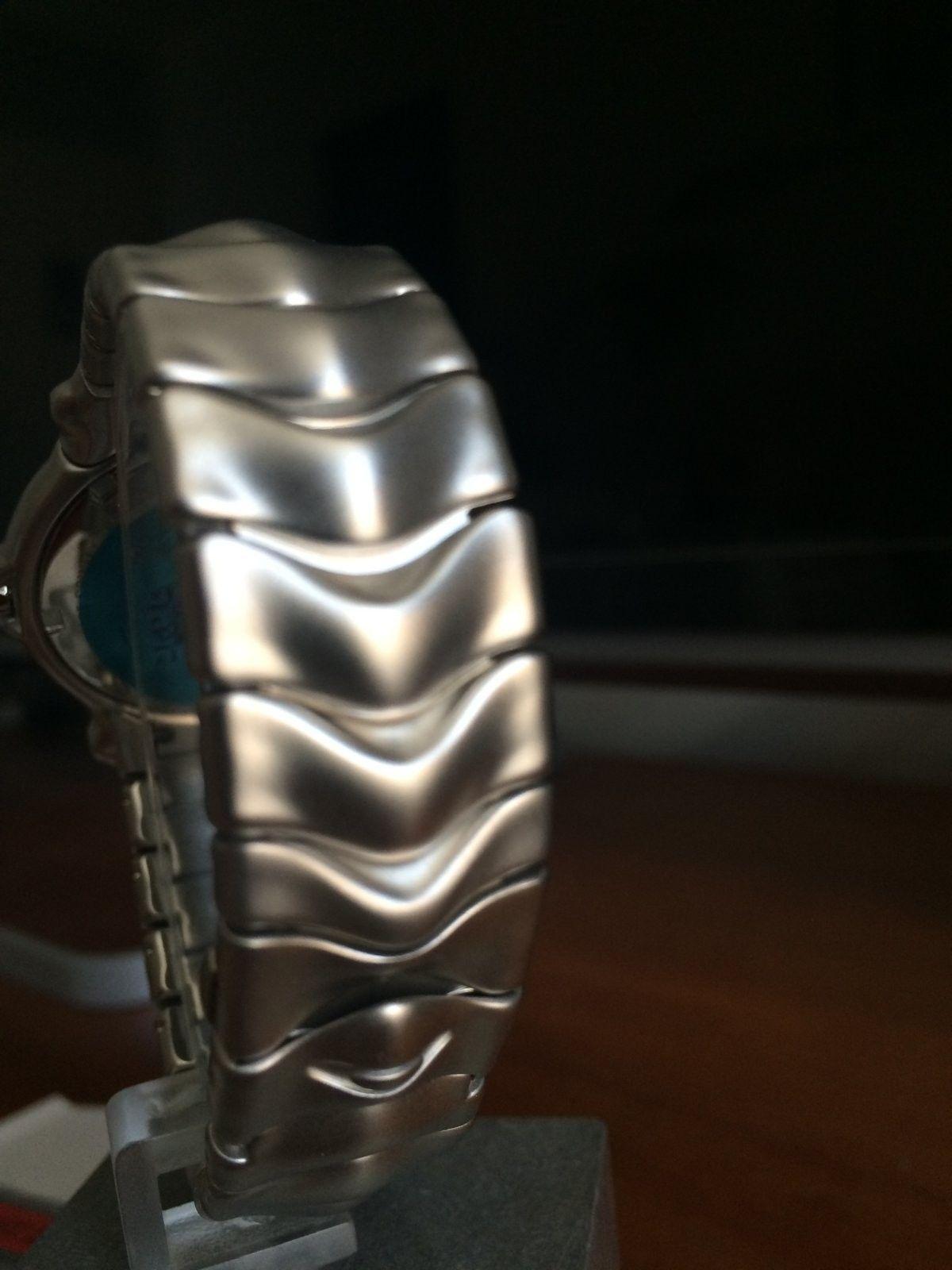 Oakley Jury Watch (BN) - Honed / Gunmetal (SKU 10-170) - IMG_2901.JPG