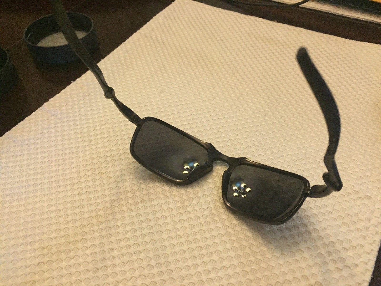 Just purchased some Oakley Badman glasses.  Fake? - IMG_3080.JPG