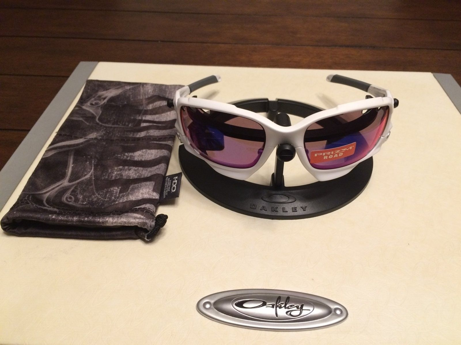 Quick sale -BN Racing Jacket - Matt White with Prism Road - IMG_3385.JPG