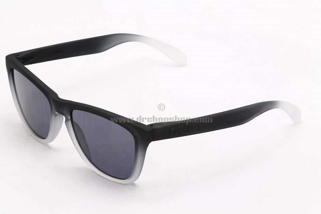 Couple of custom for sale with LNIB MASTERMIND x OAKLEY Matte Blk with Polarized Grey - IMG_370807428888295.jpeg