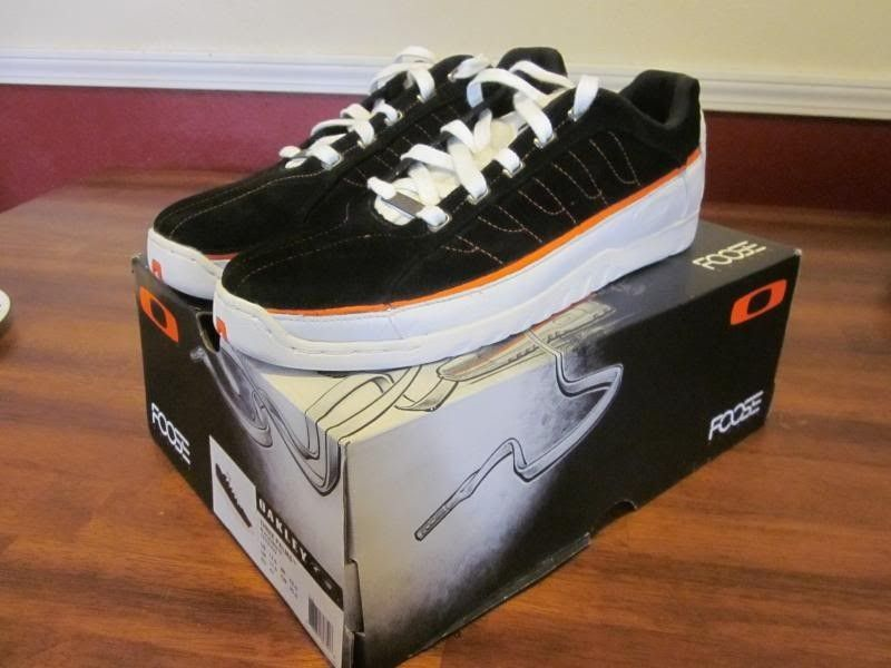 SOLD! Oakley Three Palms Chip Foose Shoes-Black/White/Orange Size 12.5 US - IMG_3790_zps9c4d6a34.jpg