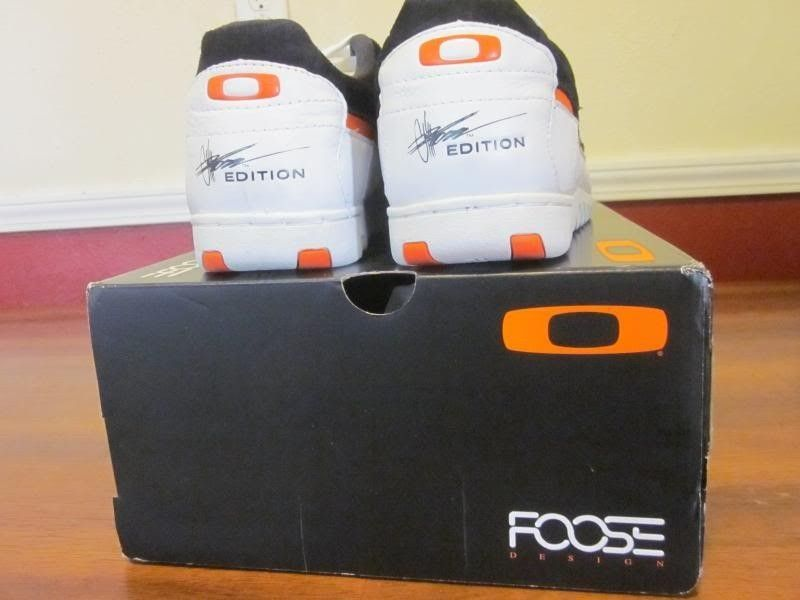 SOLD! Oakley Three Palms Chip Foose Shoes-Black/White/Orange Size 12.5 US - IMG_3794_zps76984ade.jpg