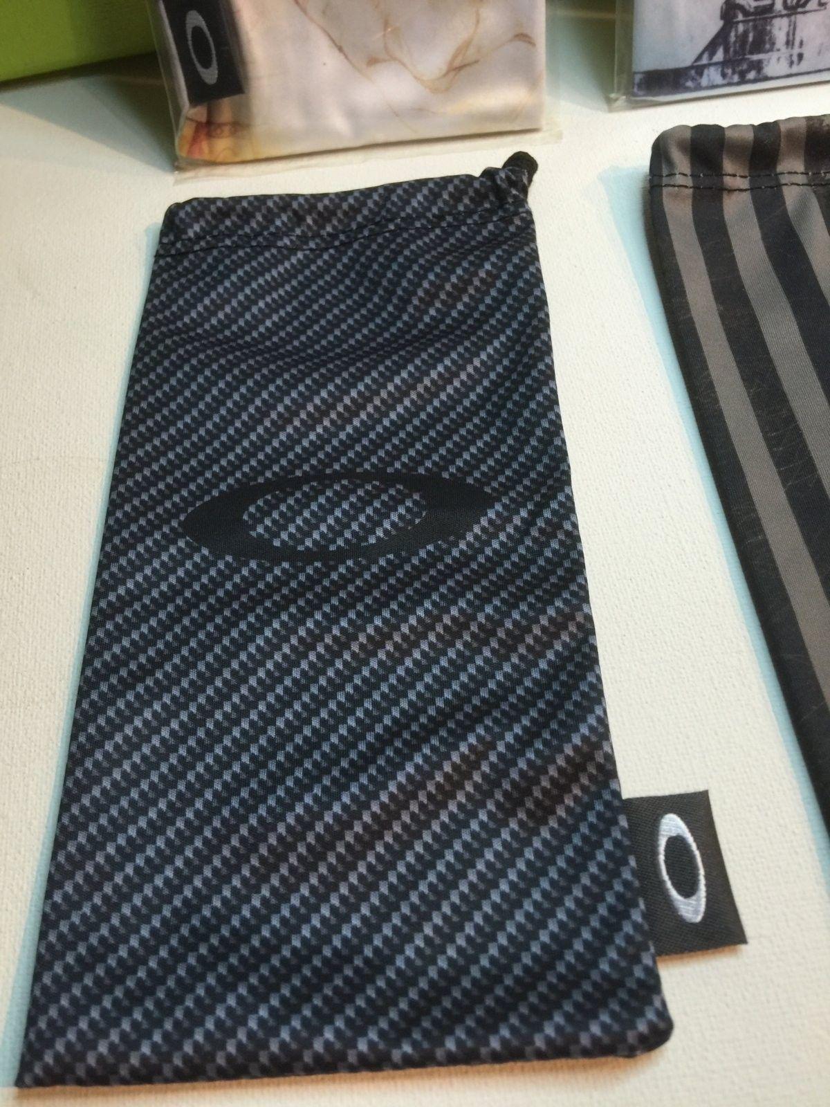 Carbon Fiber Print Microfiber Bag - IMG_3933.JPG