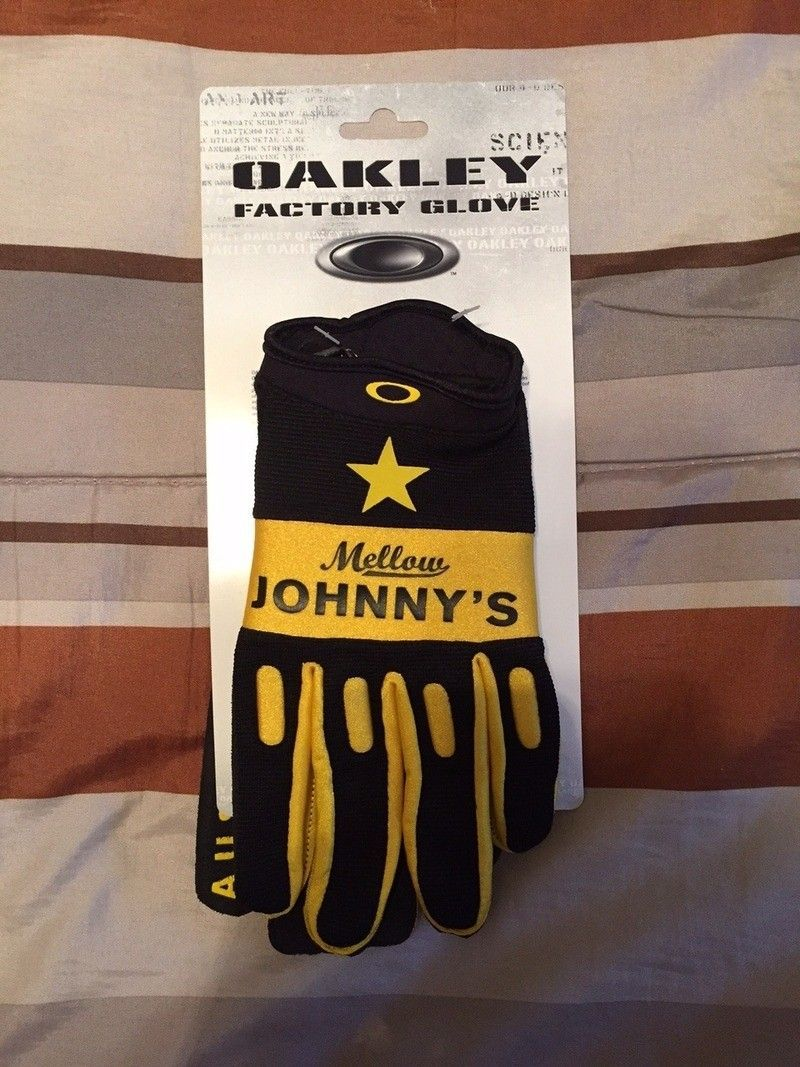 Oakley x Mellow Johnny's Factory Gloves XL - IMG_3954_zpsibr6f6l0.jpg