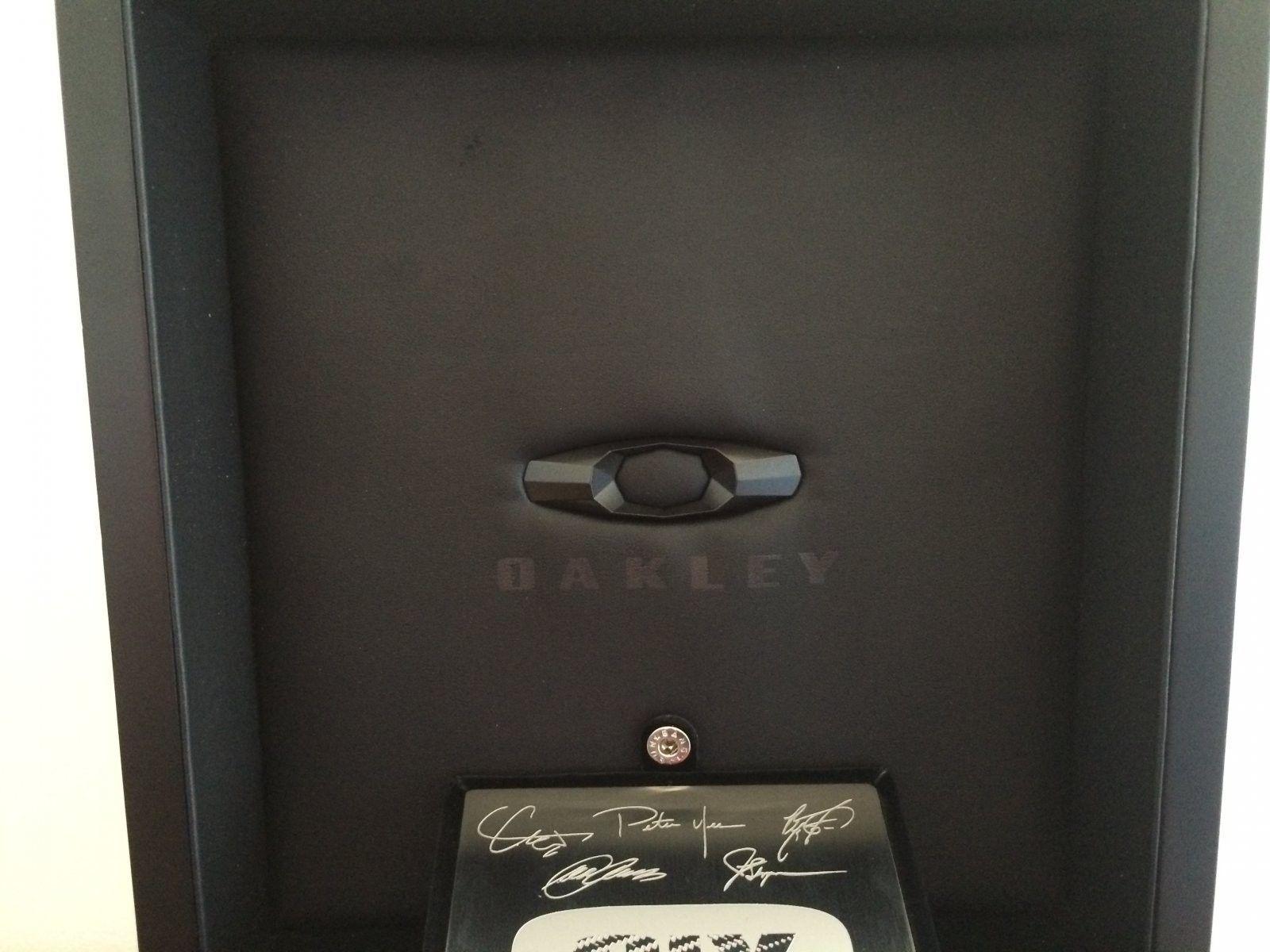 Oakley C-Six - IMG_4173.JPG