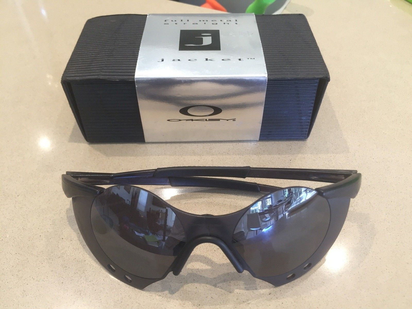 Anyone know which Oakley Sunglasses belong to this box? - IMG_4393.jpg