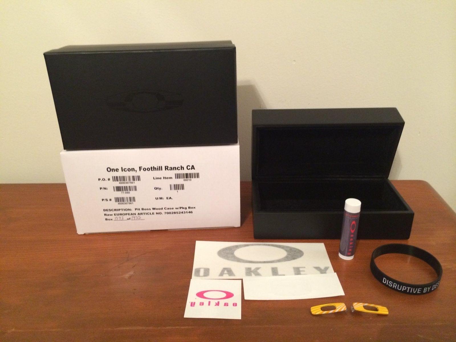 Oakley Contest Package Box W/Pitboss Wooden Case - IMG_4742.JPG