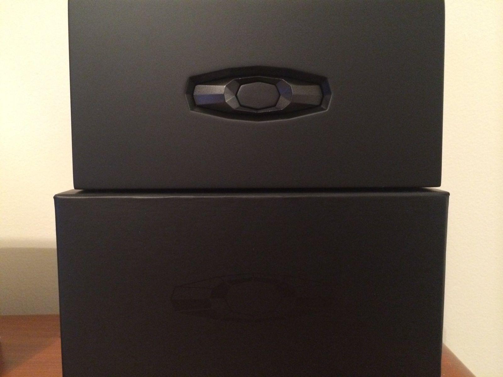 Oakley Contest Package Box W/Pitboss Wooden Case - IMG_4748.JPG