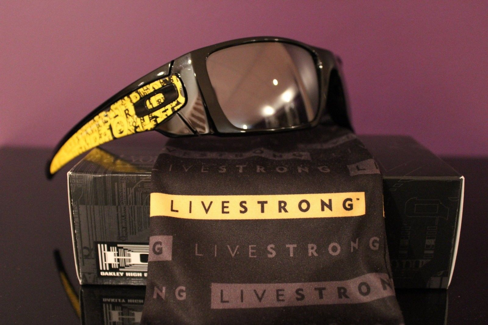 Fuel Cell-Livestrong  2 Tier Stands Misc>NosePiece/ Ear Socks/Boxes/POP cards - IMG_5080.JPG