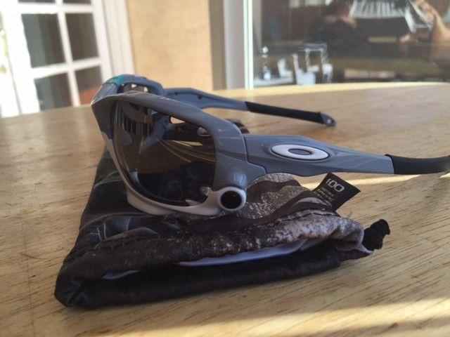 New Racing Jackets 30th anniversary with black iridium lenses - IMG_5186.JPG
