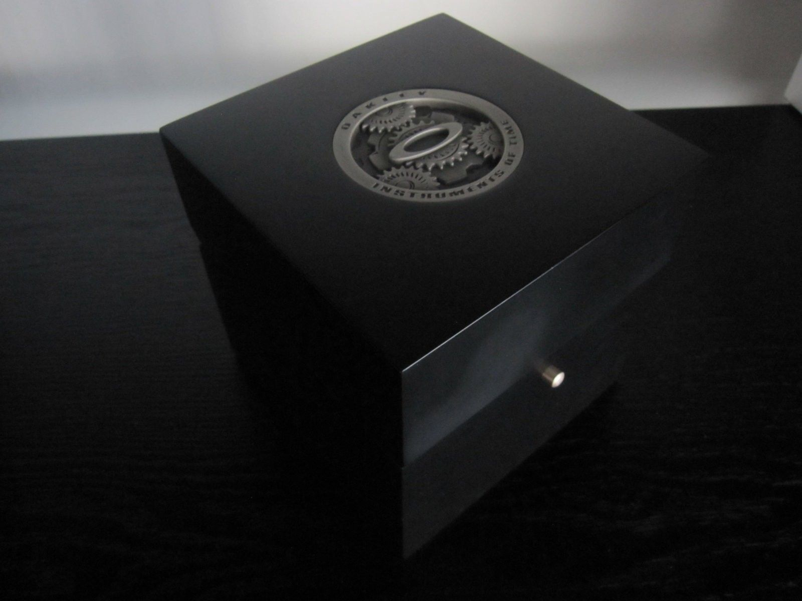 MM deluxe wooden box (with the watch instruments coin on top) - IMG_5476.JPG