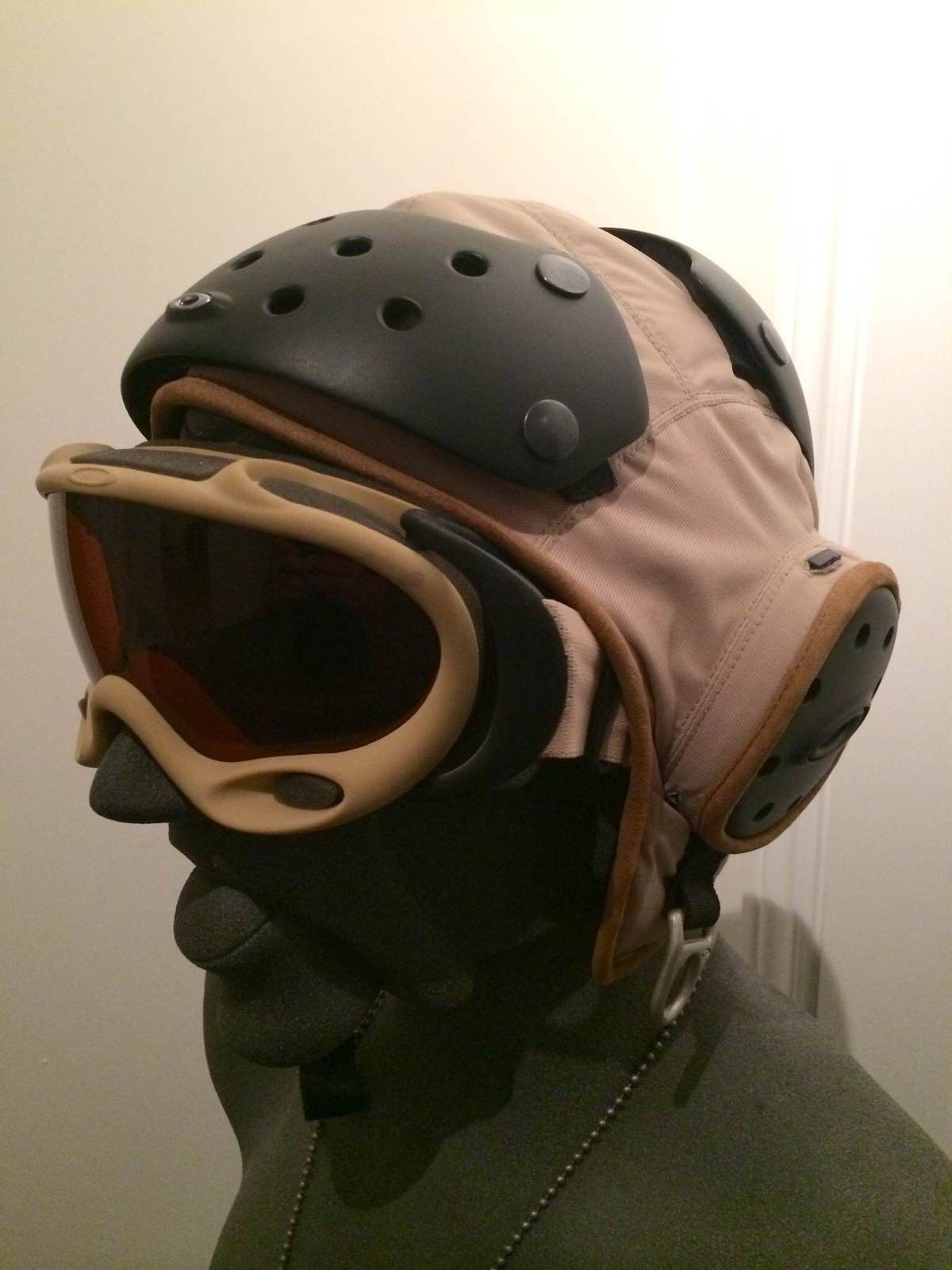 Rare Oakley Flight Deck Helmet & A-Frame Assault Fan Goggle - IMG_5537.JPG
