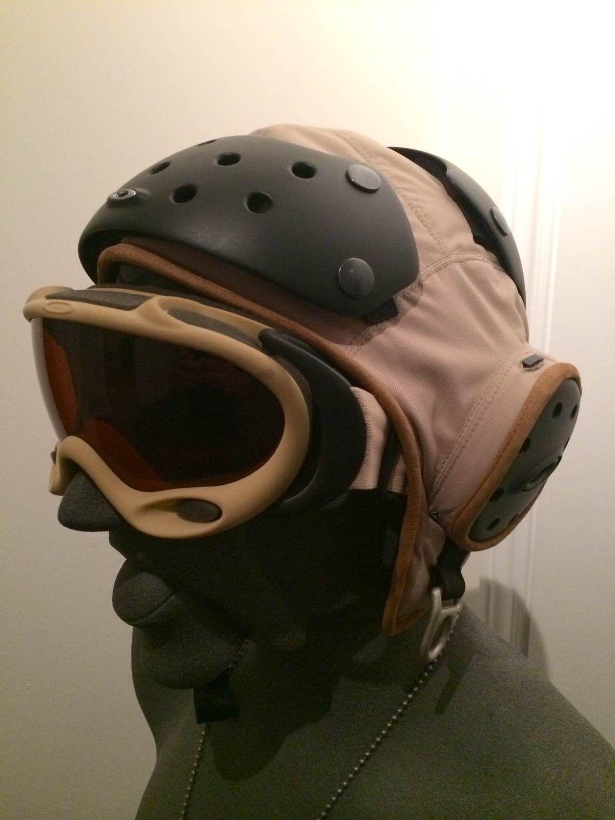 Rare Oakley Flight Deck Helmet & A-Frame Assault Fan Goggle - IMG_5537.JPG