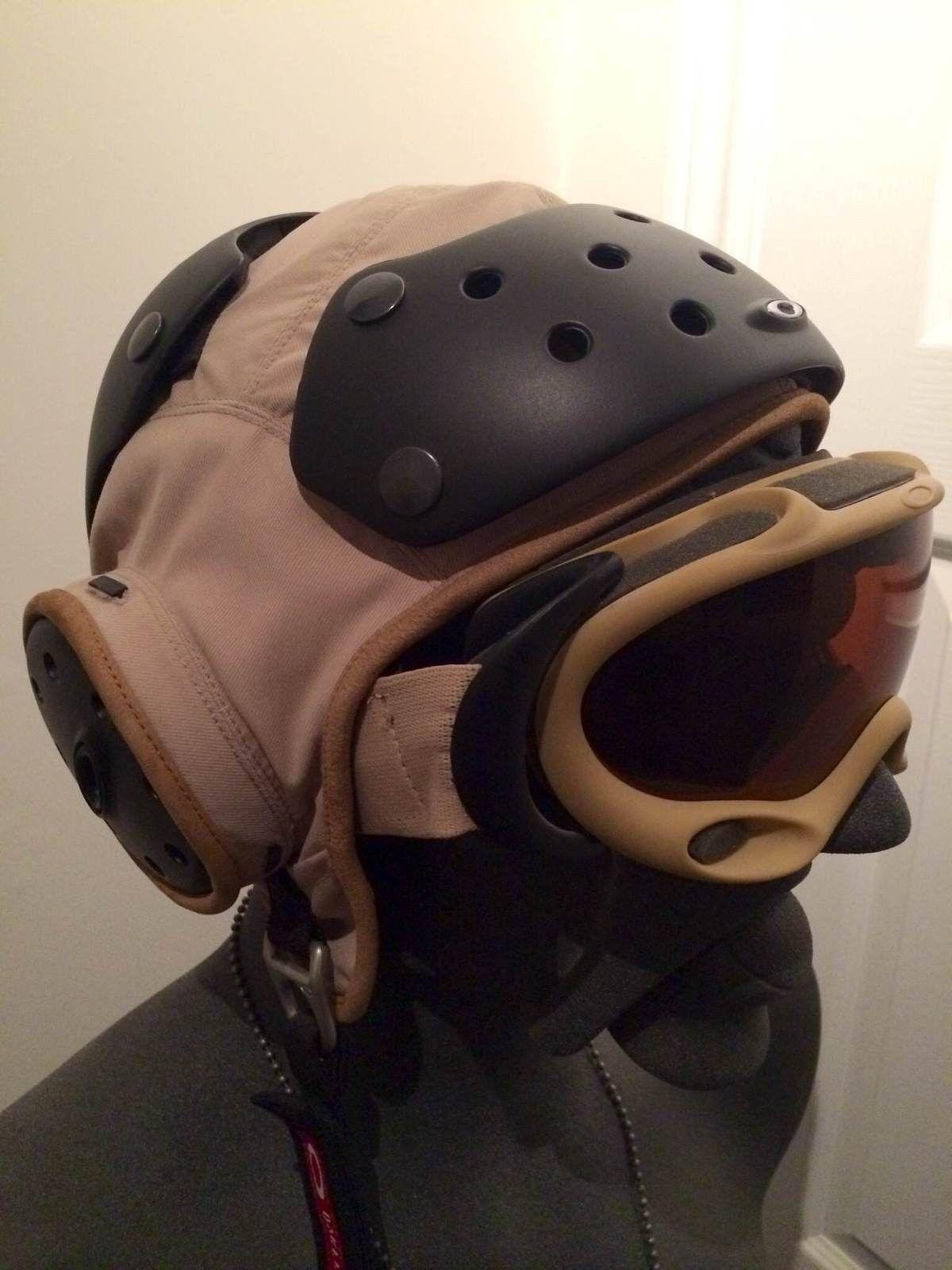 Rare Oakley Flight Deck Helmet & A-Frame Assault Fan Goggle - IMG_5538.JPG