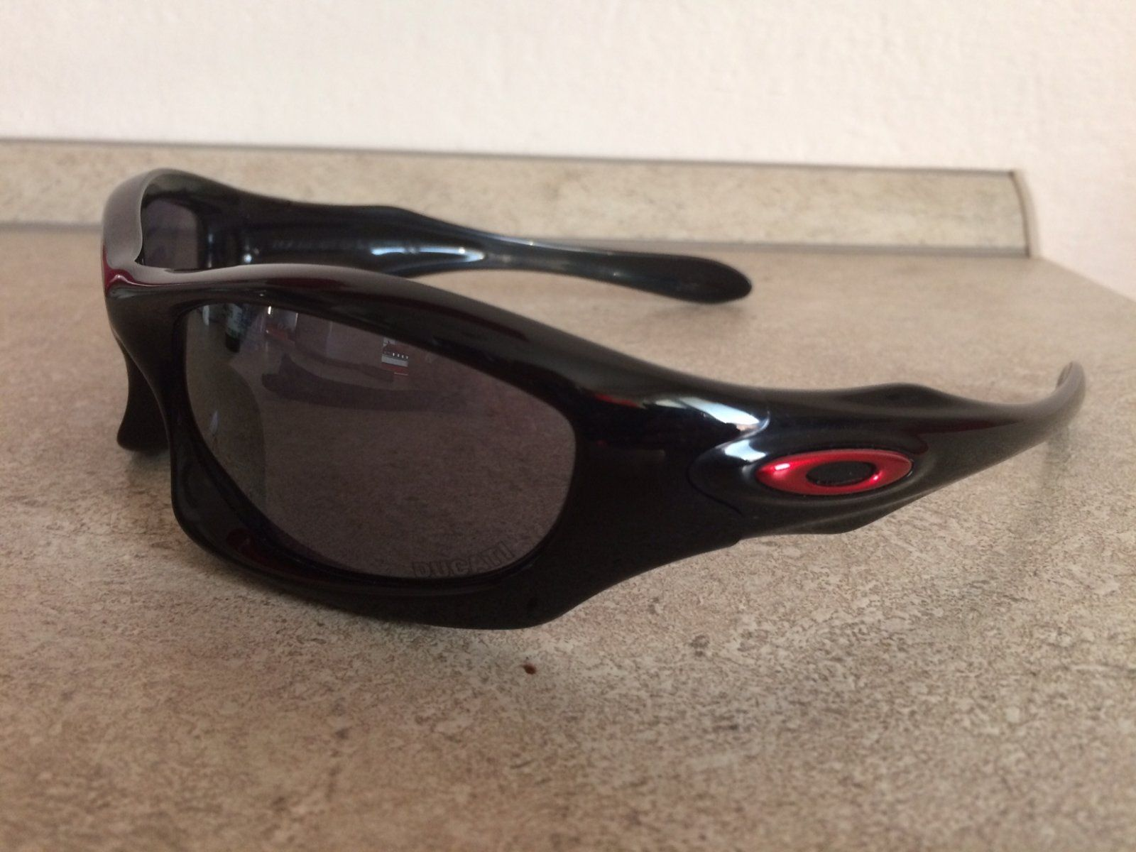 Sold - Oakley Monster Dog Ducati | Oakley Forum
