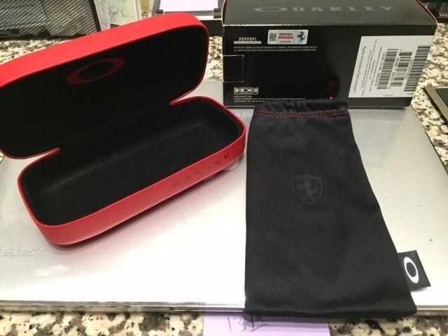New Ferrari Carbon Blade Case+Microfiber+Box *sold* - IMG_5565.jpg