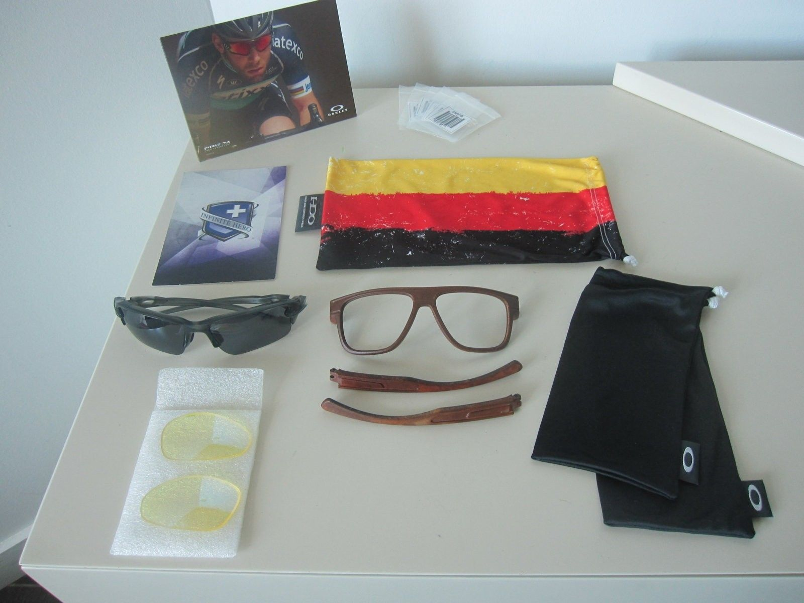 Oakley mini bundle - 2 frames and other stuff - GONE - IMG_5634.JPG