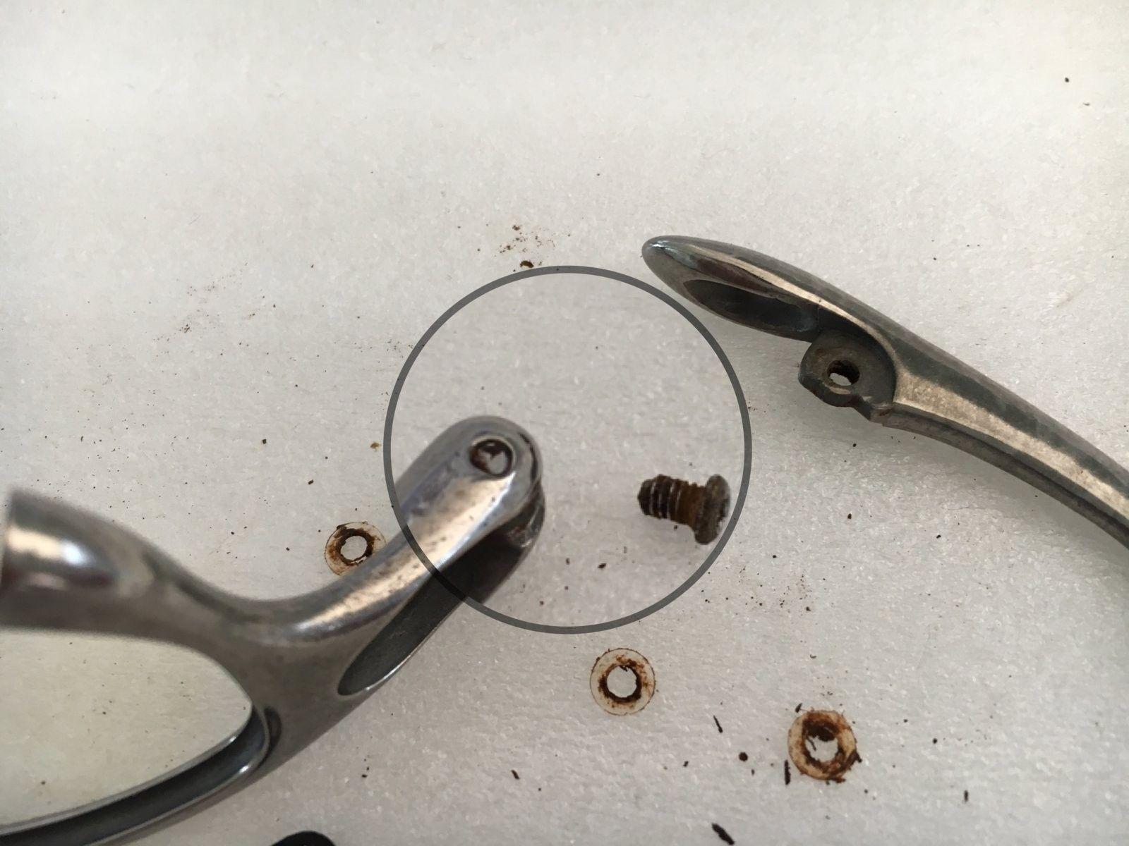 Help - fixing a stuck temple screw - IMG_5764.JPG