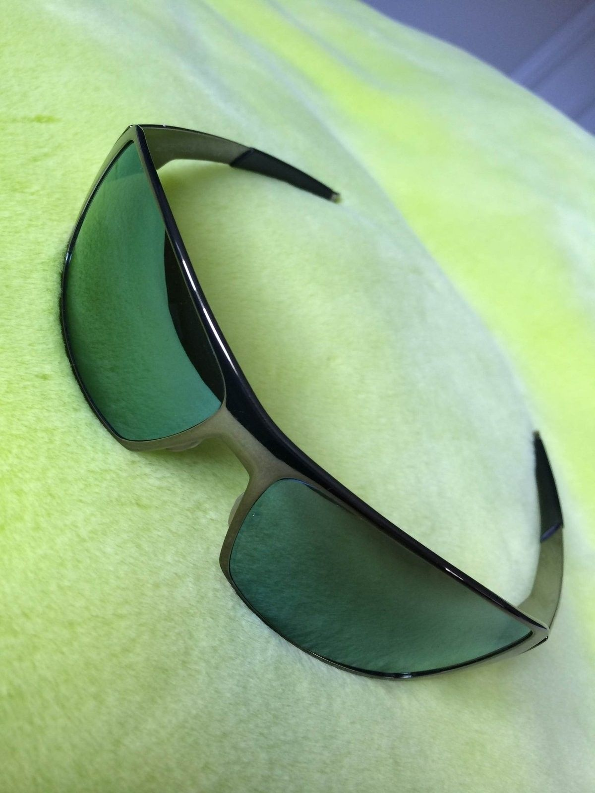 Black Chrome frame Spike w/Emerald Iridium lenses - IMG_5973.JPG