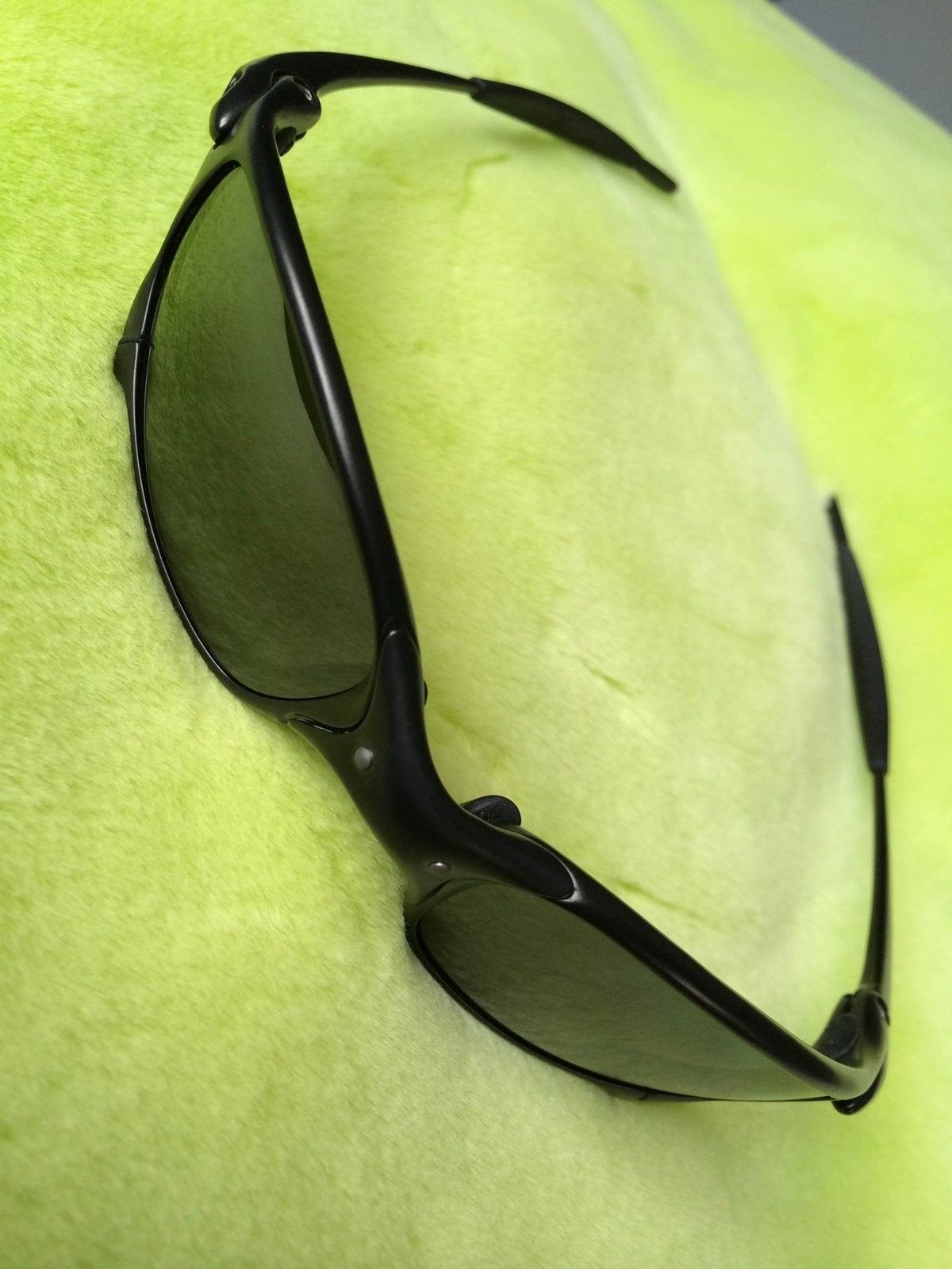 Carbon frame X-Metal Juliet w/Black Iridium Polarized lenses - IMG_5978.JPG