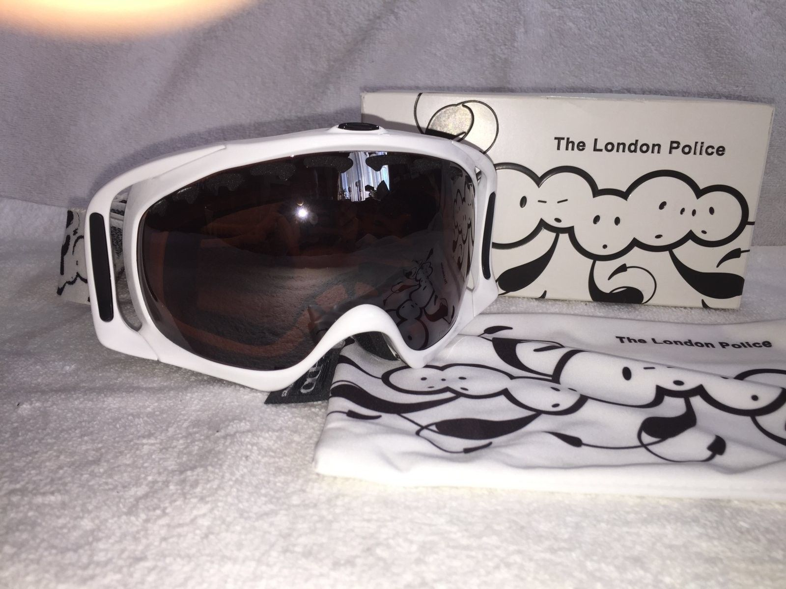 Several Pairs of Oakley's - IMG_6108.JPG