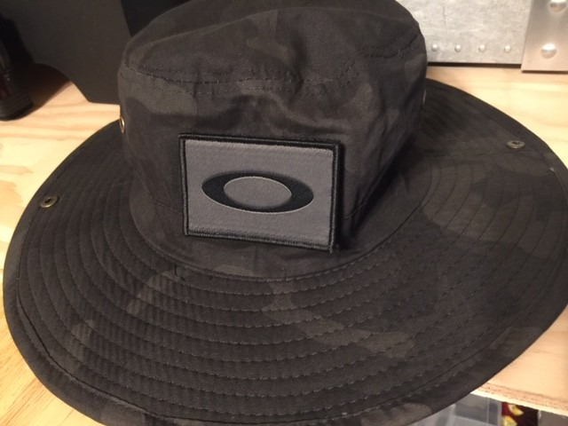 642f454d52d ... uk 3e6a1 07392 ebay jpg the way an oakley bucket hat should have been  done img6459