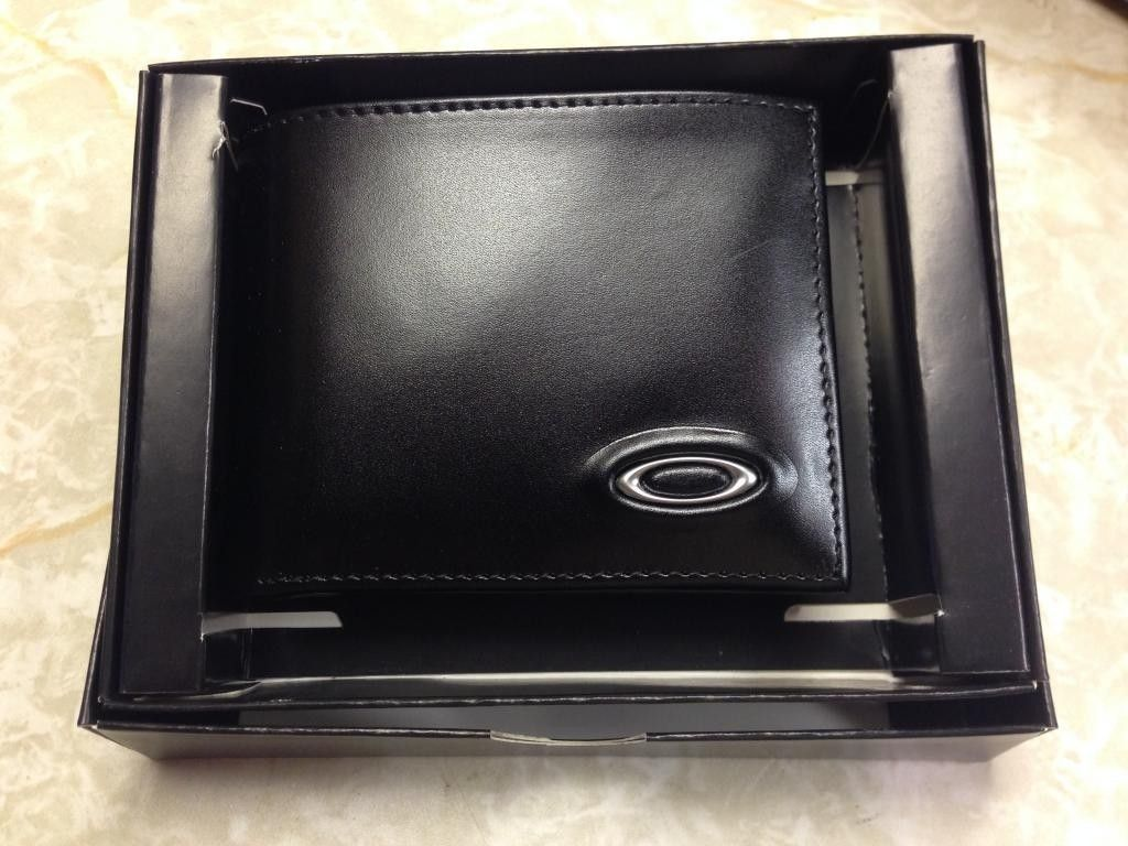 Oakley Leather Wallet - IMG_6624_zpsc12d5466.jpg