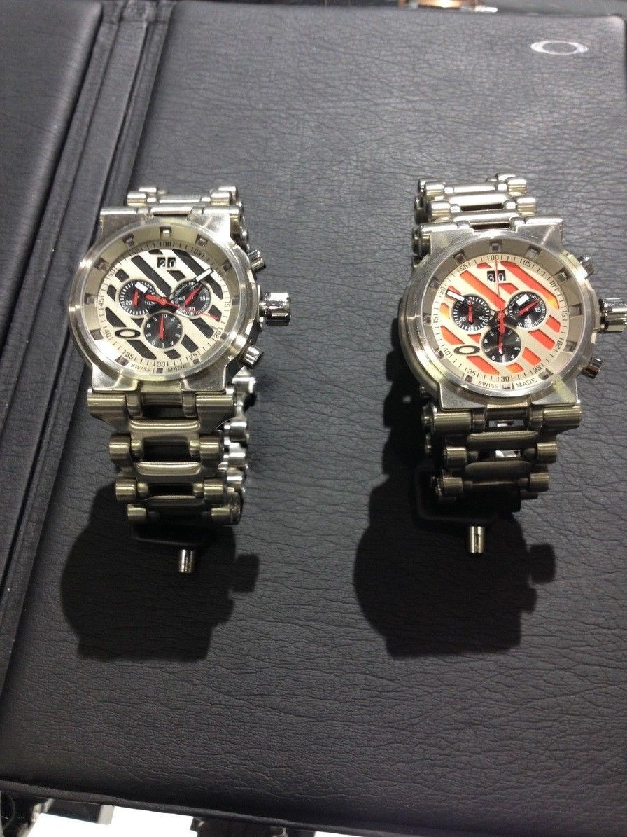 Oakley watches minute machine, hollow point all new with boxes - IMG_6647.jpg