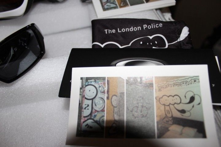 London Police Collector Pack #387 - IMG_6812.JPG